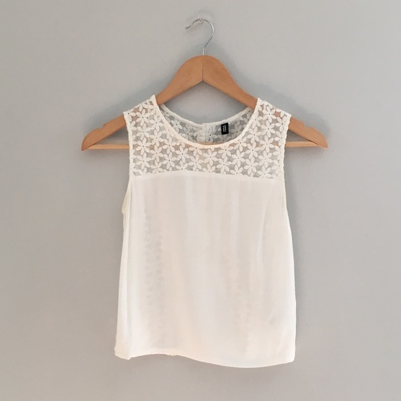 27267fd0dd7690 H&M Tops | Hm White Flower Lace Crop Top | Poshmark